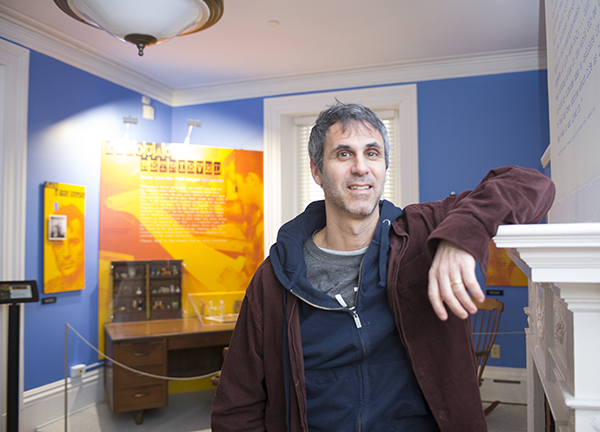 "Acclaimed author Steve Almond, UMass Lowell's 2016 Kerouac Writer-in-Residence, will present a program that is open to the public on Tuesday, Feb. 9. Almond, who recently visited the exhibit ""Kerouac Retrieved: Items from the John Sampas Collection"" on South Campus, is teaching writing at the university this semester."