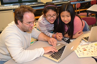 Local iddle-schoolers are learnig to teach computers to 'sing.'