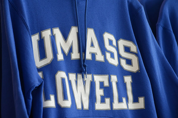UMass Lowell will hold Commencement exercises on Saturday, May 14, in two ceremonies featuring journalist Judy Woodruff and Boston Pops Conductor Keith Lockhart.