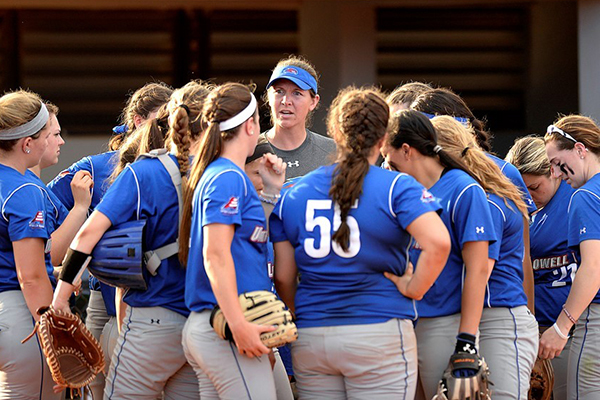Coach Danielle Henderson's softball team had 21 of 24 players named to the 2014-15 America East Winter/Spring Honor Roll.
