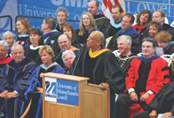 Guest speaker Vernon Wall speaks to incoming UMass Lowell students during convocation yesterday at the Recreation Center. Lowell Sun photo by Bob Whitaker