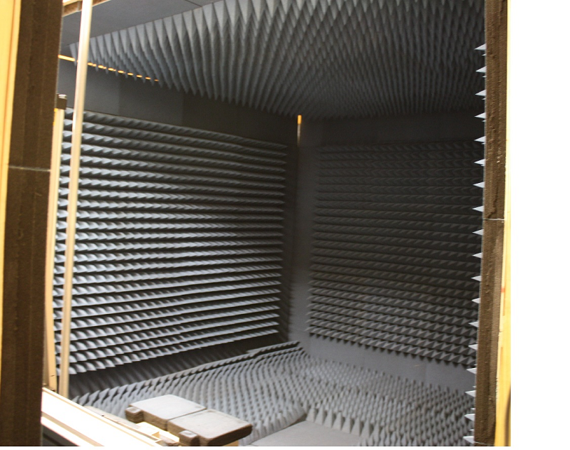 Electromagnetic Anechoic Chamber, 1 GHz ~ 18 GHz