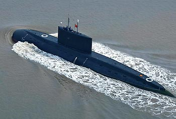 A Chinese Kilo-class diesel submarine gets ready to prowl the waters.
