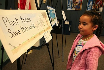 Students Educate Public About Climate Change