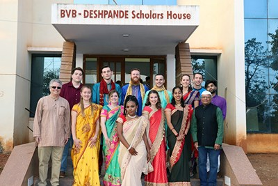 GE2 students pose on the front steps of the Deshpande House in India