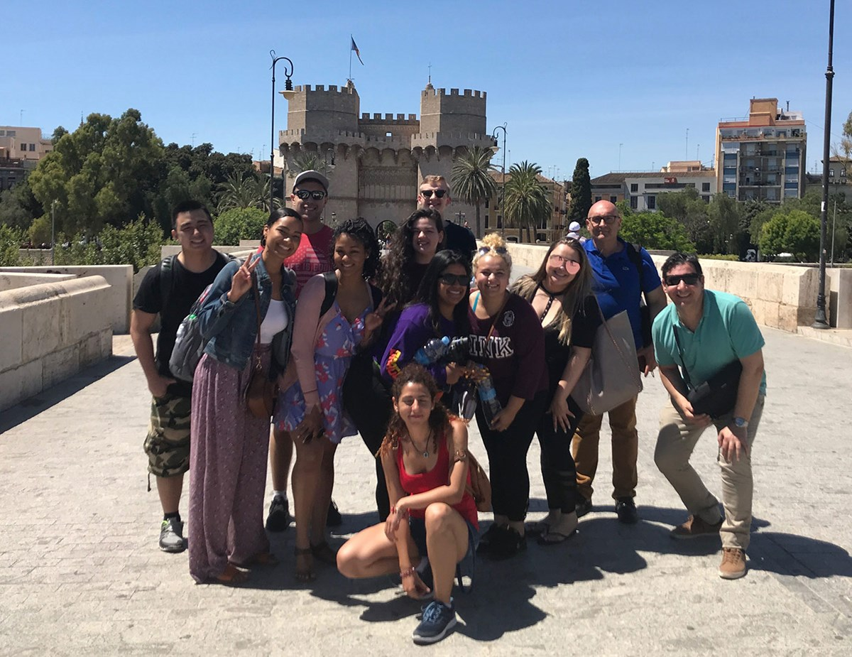 group photo of UMass Lowell study abroad trip to Valencia, Spain
