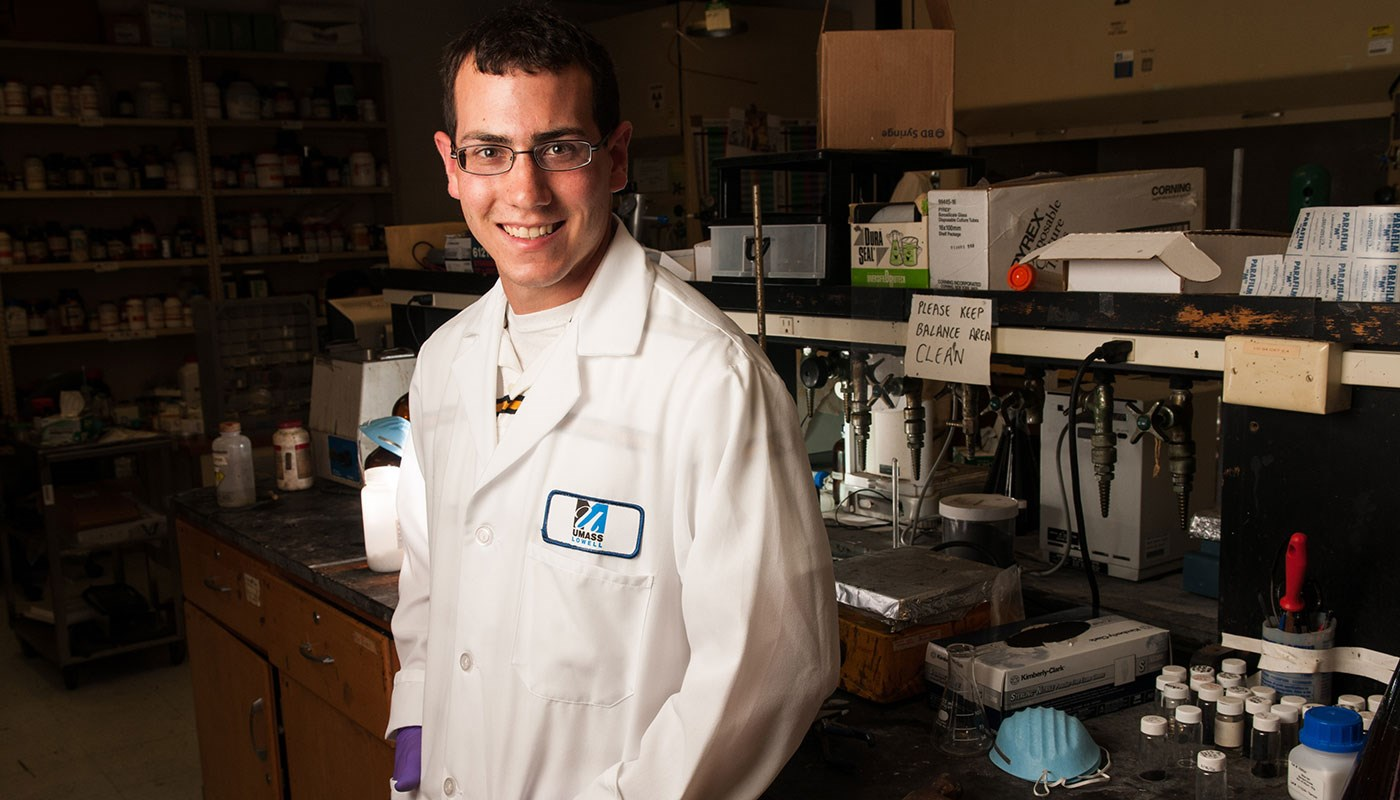 Mark-Lalli-Chemical-Engineering-Alumni-UMass-Lowell-photo-Ed-Collier