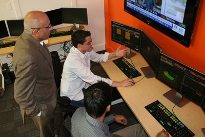 Students use Bloomberg terminals in new Finance Lab and Trading Room
