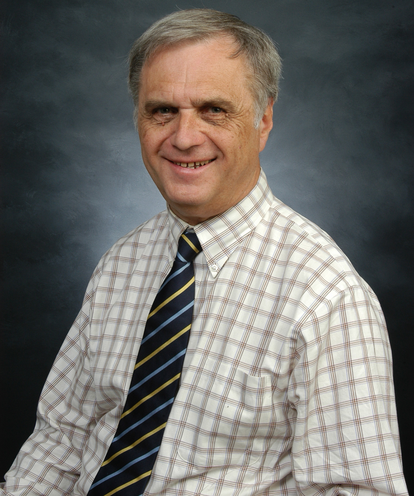 Arnold O' Brien is Professor Emeritus at UMASS Lowell. He joined the faculty in 1969 and achieved the rank of full professor in 1983.  He has offered courses covering a wide range of areas and served as Department Chair in EEAS from 1976 until his retirement in 2010.