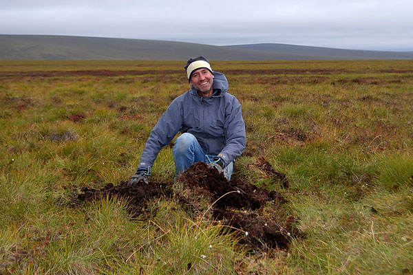 Prof. Daniel Obrist digs pits to measure tundra soil mercury concentrations and auxiliary soil chemistry on the Alaska North Slope.