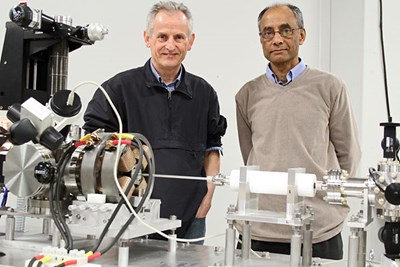 Partha Chowdhury and Kim Lister in the lab