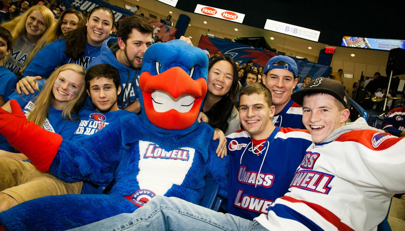 UMass Lowell Students Hockey