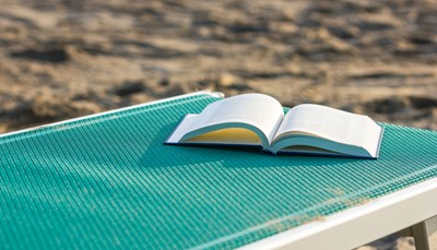 Summer-Reading-Book-Beach-Chair-1400