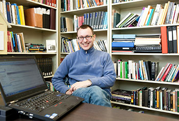 English Professor Excels at Cyber-instruction