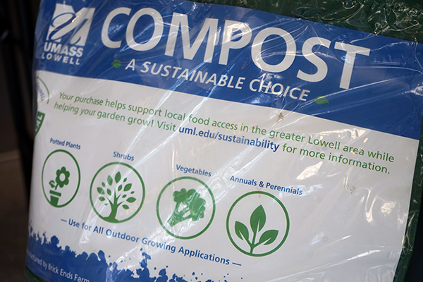 The label on the bag of the UML compost