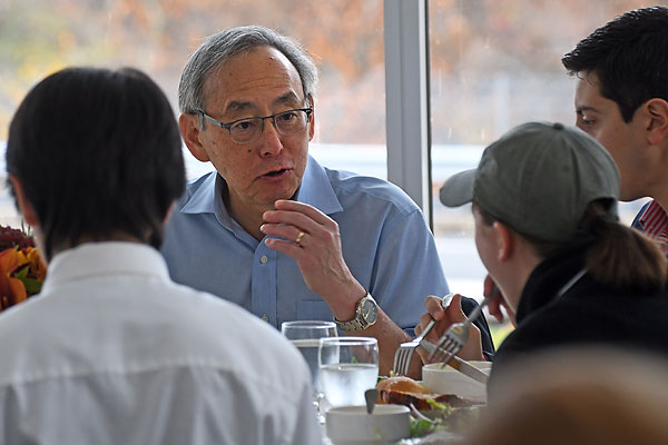 Steven Chu talks to the students during a luncheon hosted in his honor on Nov. 16.