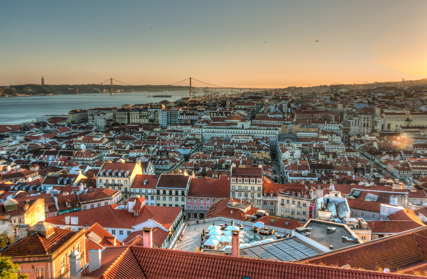 Panorâmica da cidade de Lisboa, Portugal. A Panoramic of the city of Lisbon, Portugal.