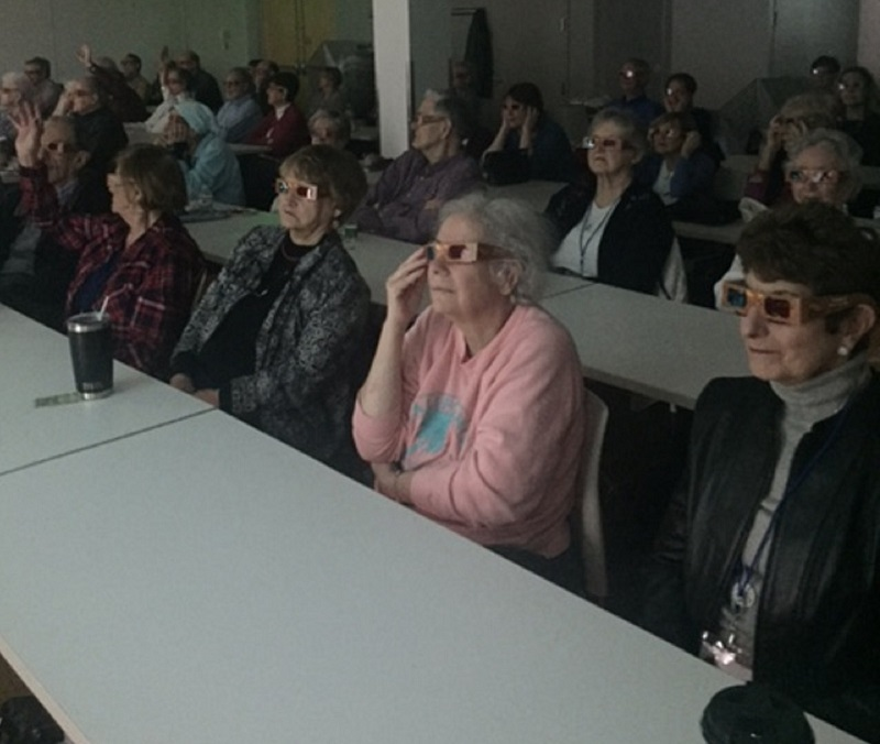 LIRA Members using 3D glasses to view Mars