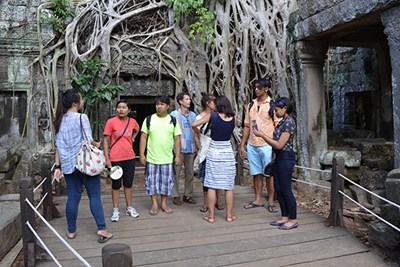 Students visit an ancient temple in Cambodia on a study abroad program