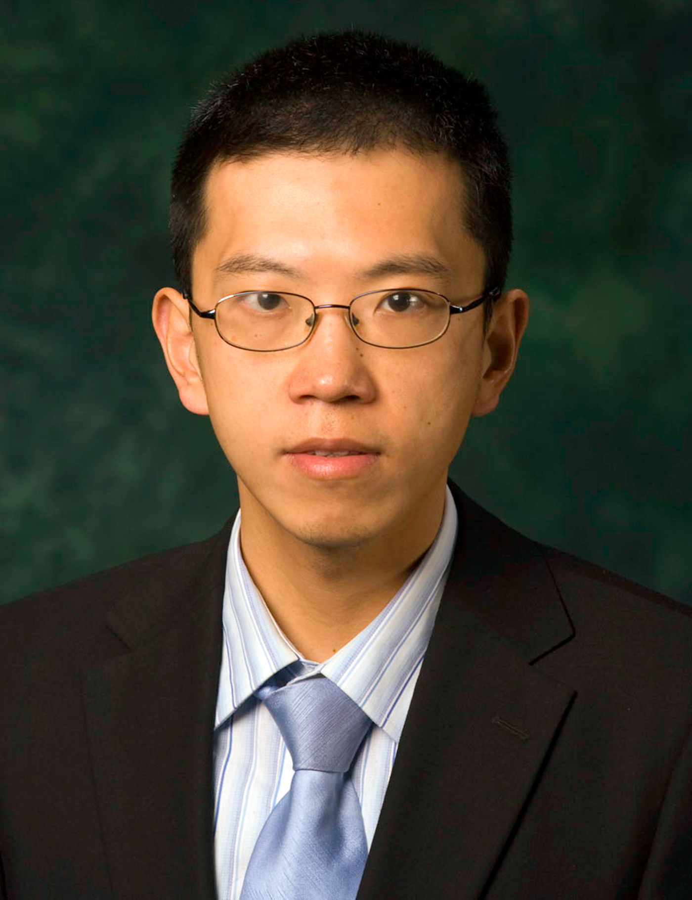 Hualiang Zhang headshot photo