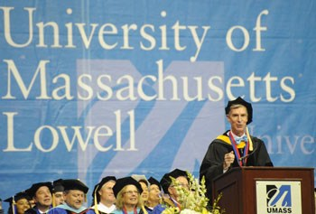 Bill Nye, the Science Guy, speaks at UMass Lowell's 2014 Commencement