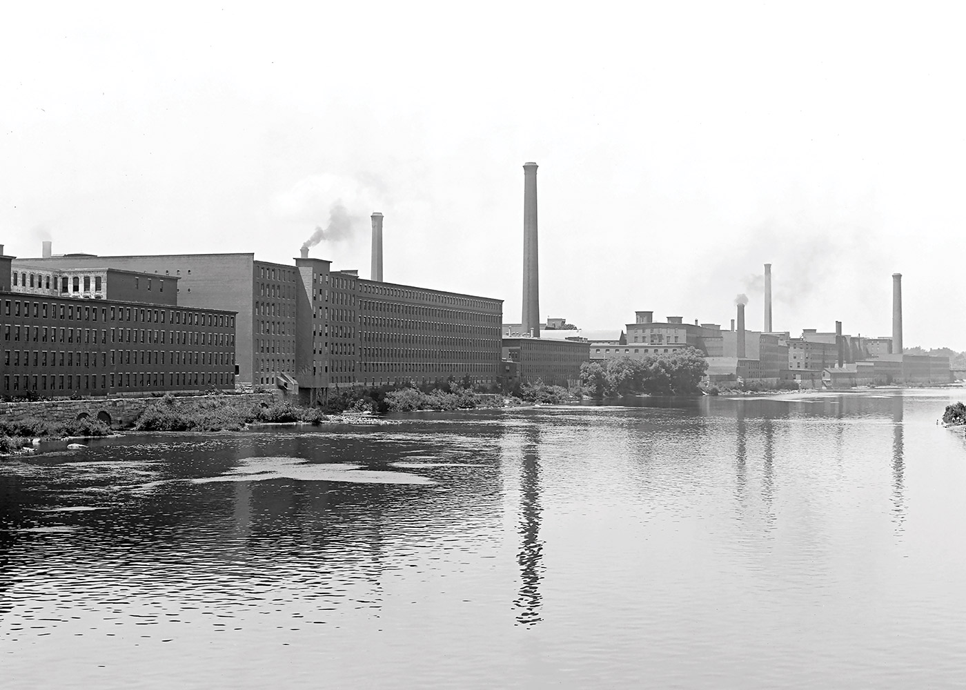 black and white photo of Merrimack River in Lowell