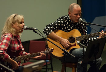 Writer Rick Moody and musician Tanya Donelly of the Throwing Muses melded their considerable talents on stage. Ed Collier photo.