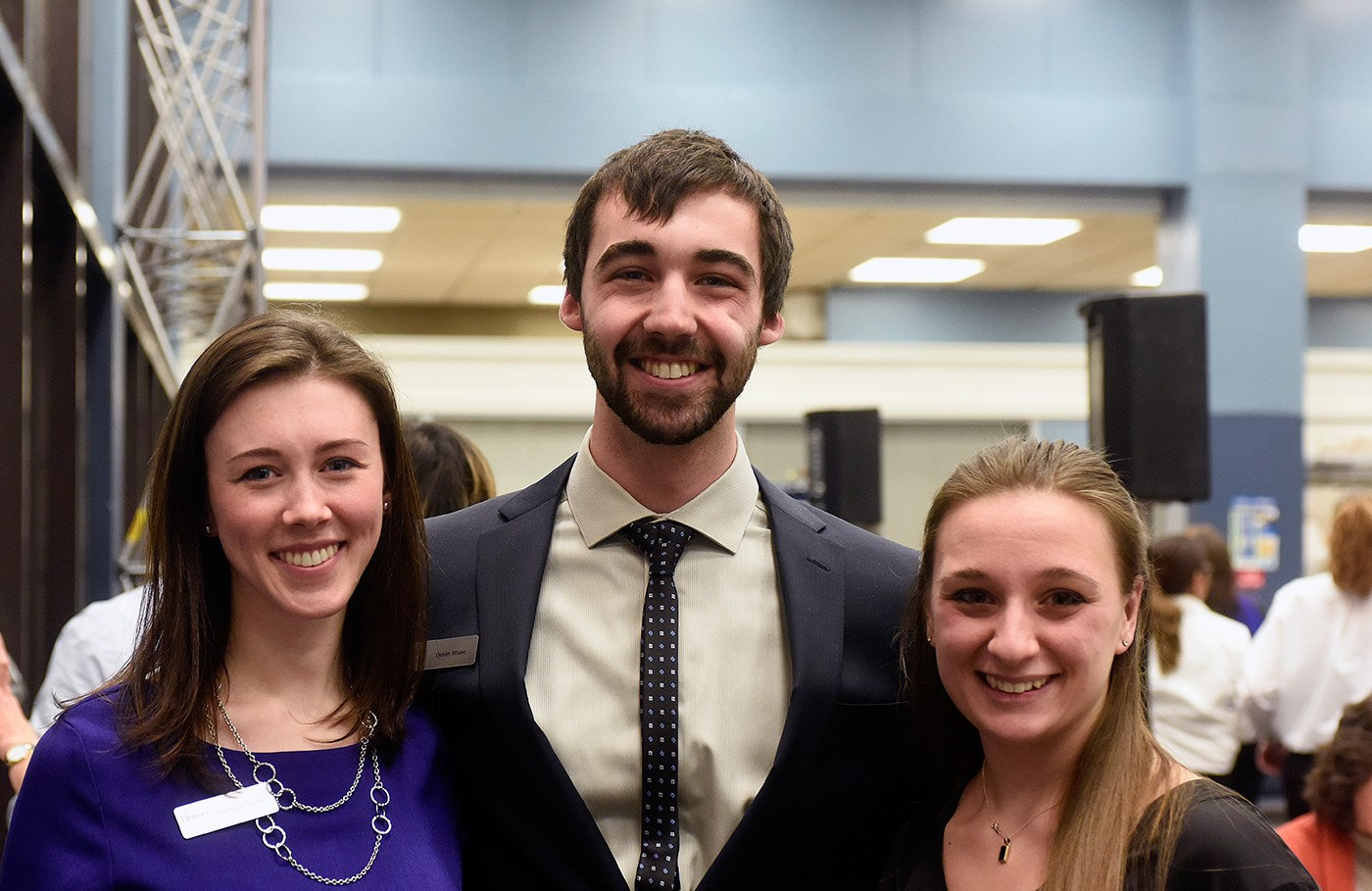 Honors College students pose at the 20th anniversary celebration.