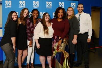Oprah Winfrey gathers with six scholarship recipients