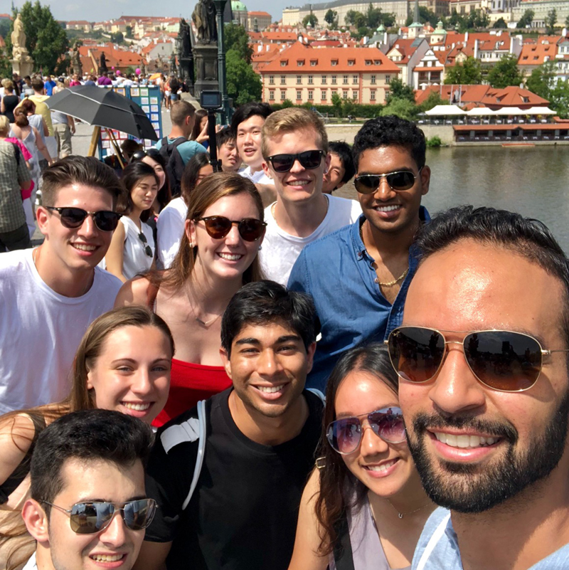 Nour Khreim takes a selfie with a group of students in Prague