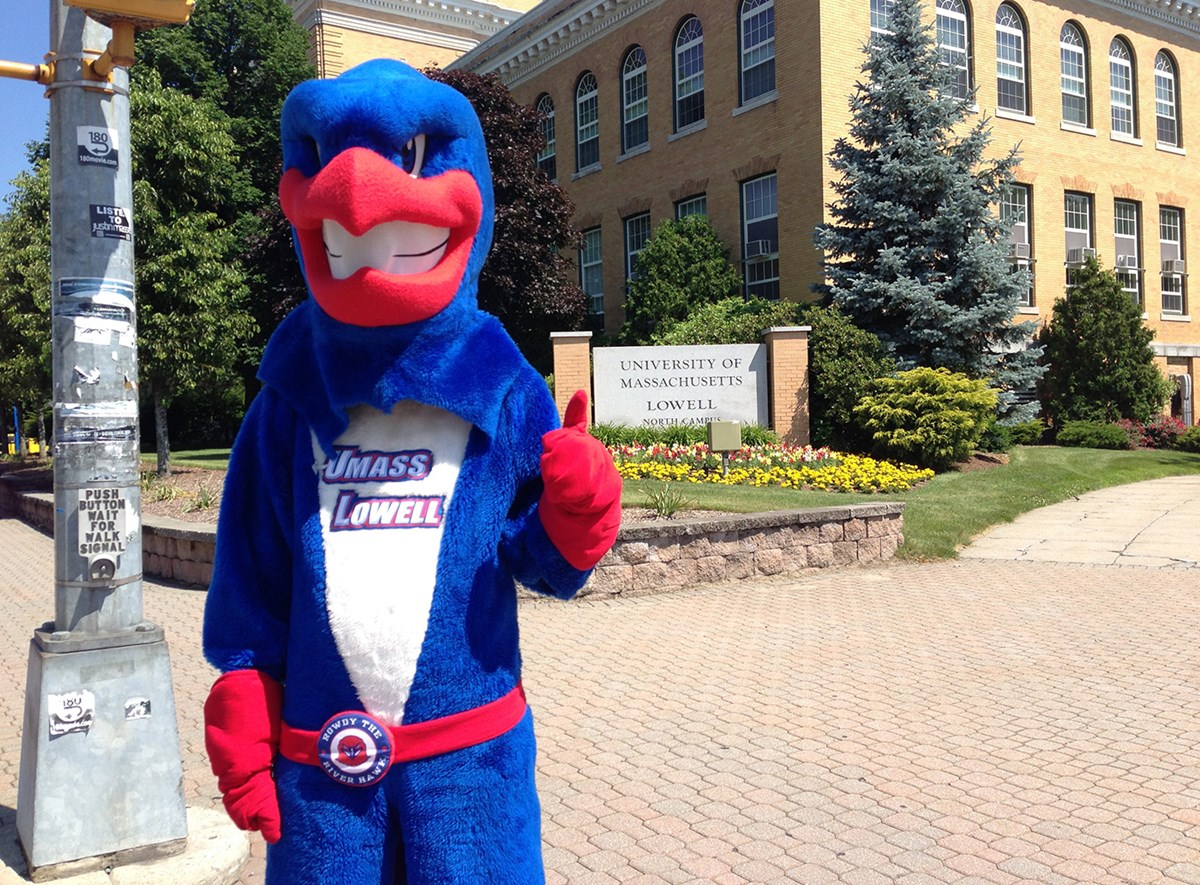 rowdy-thumbs-up-uml-sign