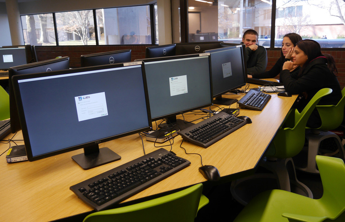 students-at-computer-vlabs