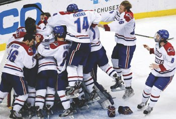 UMass Lowell celebrates/AP photo