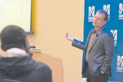 Gerald Beuchelt, chief security officer of Demandware, speaks at Cybersecurity Awareness Day at UMass Lowell.