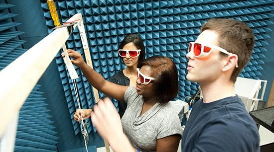 two-female-one-male-civil-engineering-students-model-3-d-glasses-550-opt.jpg